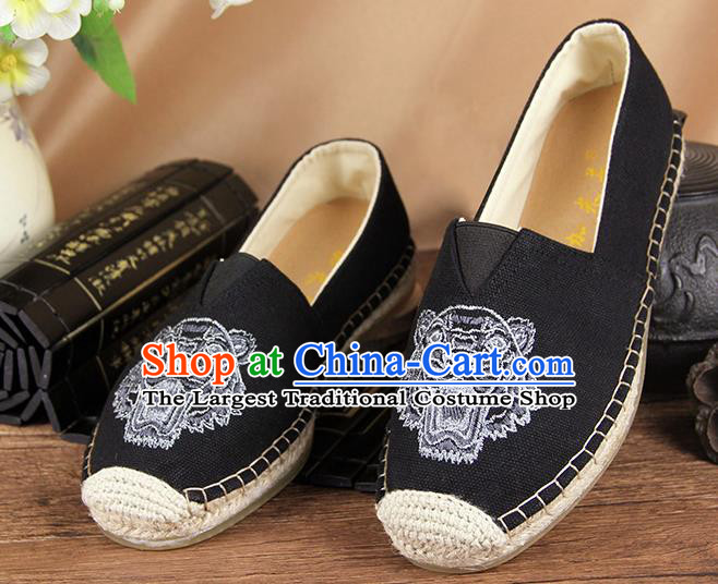Chinese National Handmade Shoes Traditional Cloth Shoes Embroidery Tiger Black Shoes for Women