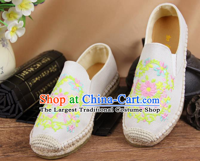 Chinese National Handmade Shoes Traditional Cloth Shoes Embroidery Flowers White Shoes for Women
