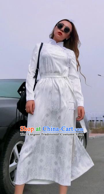 Chinese Traditional Mongol Ethnic Costume Mongolian Minority Nationality White Robe for Women