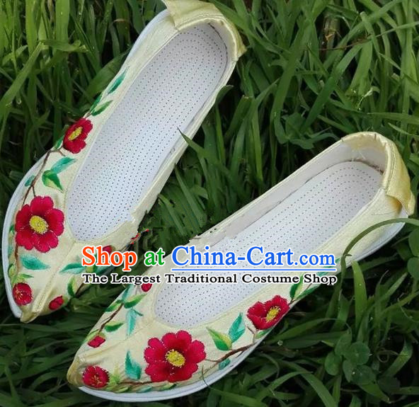 Chinese Traditional Hanfu Shoes Ancient Princess Yellow Embroidered Shoes Handmade Cloth Shoes for Women