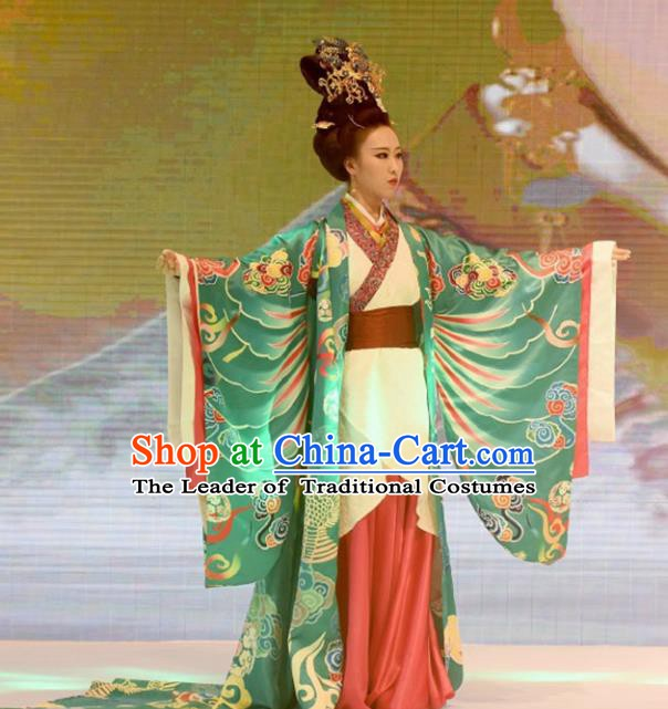China Ancient Han Dynasty Imperial Empress Hanfu Dress Embroidered Palace Costume for Women