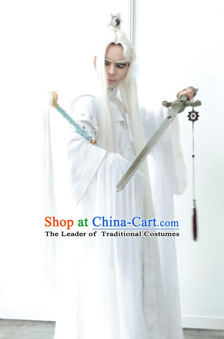 Traditional China Ancient Cosplay Swordsman Costume Fancy Taoist Priest Embroidered Clothing for Men