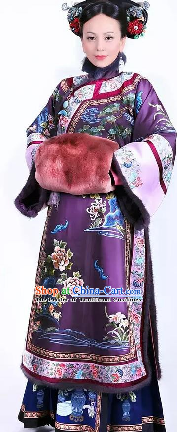 Ancient Chinese Qing Dynasty Manchu Princess Consort Fuca Hala Embroidered Historical Dress Costume for Women
