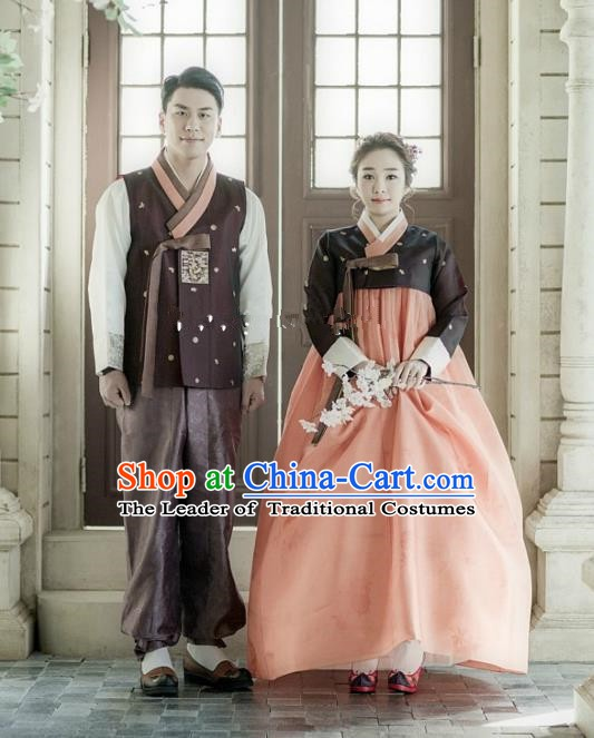 Korean Traditional Garment Palace Black Hanbok Fashion Apparel Bride and Bridegroom Costumes Complete Set