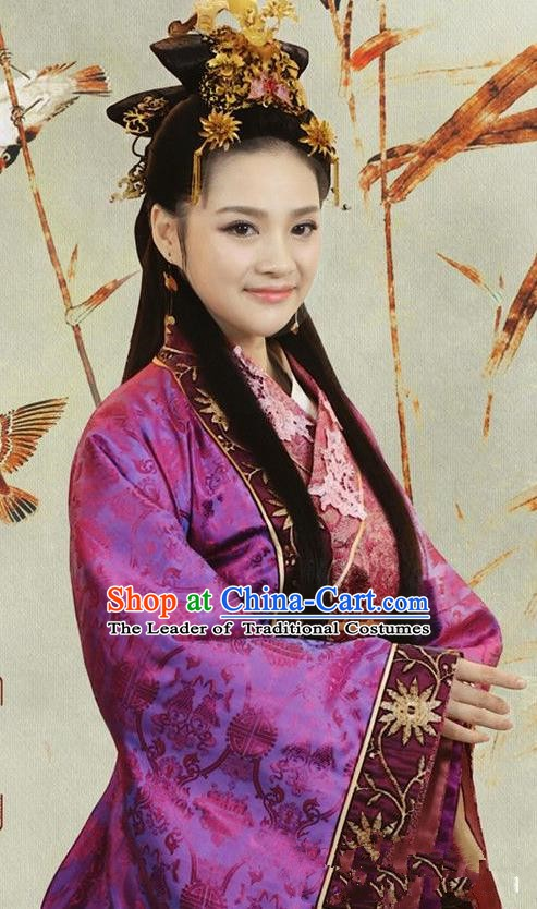 Ancient Chinese Ming Dynasty Empress Xu of Zhu Di Embroidered Dress Replica Costume for Women