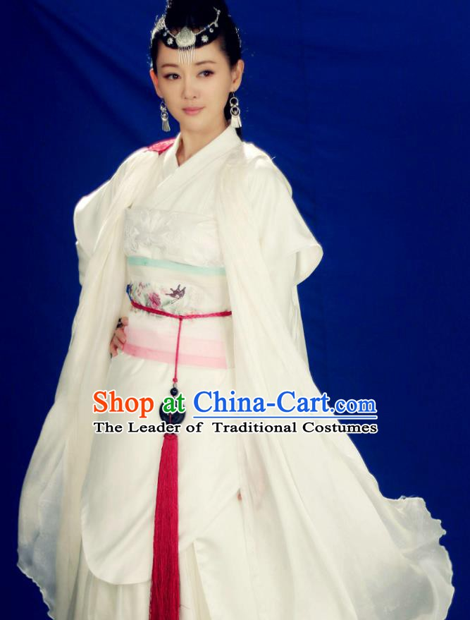 Chinese Song Dynasty Swordswoman White Dress Ancient Heroine Hanfu Replica Costume for Women