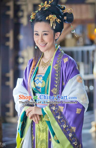 Chinese Song Dynasty Princess Sister of Zhao Kuangyin Embroidered Dress Ancient Palace Lady Replica Costume for Women