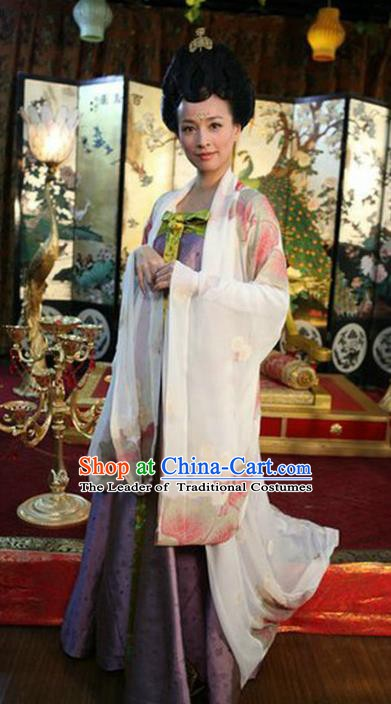 Chinese Ancient Tang Dynasty Imperial Consort Wu Meiniang Embroidered Historical Costume for Women