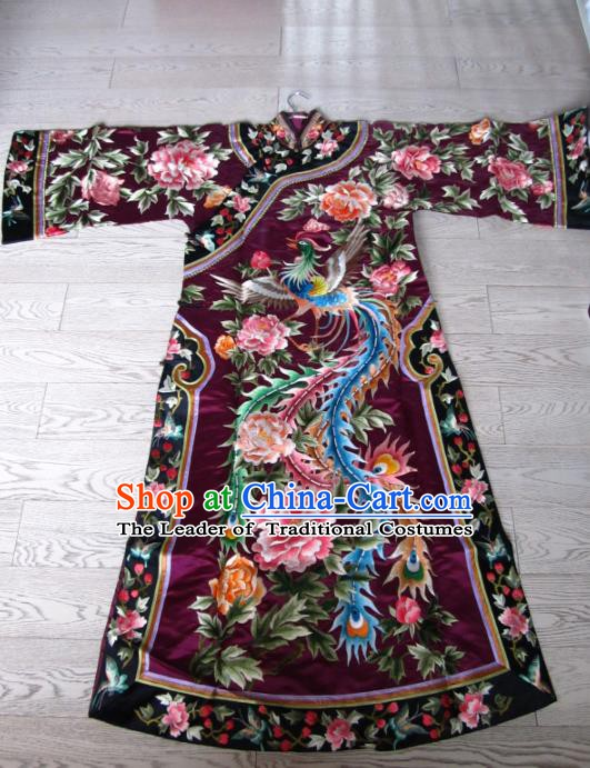 China Traditional Qing Dynasty Palace Lady Embroidered Dress Costume for Women