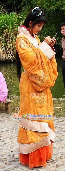 Ancient Chinese Han Dynasty Palace Lady Wang Zhaojun Curving-Front Robe Replica Costume for Women