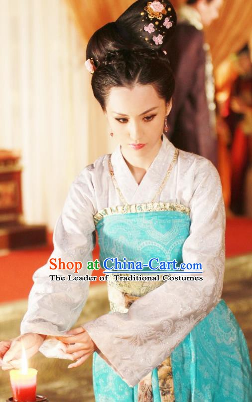 Chinese Ancient Tang Dynasty Palace Lady Embroidered Hanfu Dress Replica Costume for Women