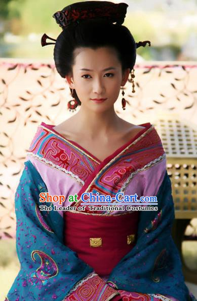 Traditional Chinese Ancient Han Dynasty Empress Dou Hanfu Dress Queen Replica Costume for Women