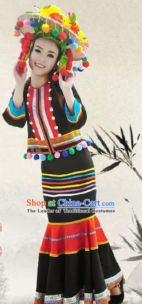 Traditional Chinese De-ang Nationality Dance Costume, China Ethnic Minority Embroidery Clothing and Headdress for Women