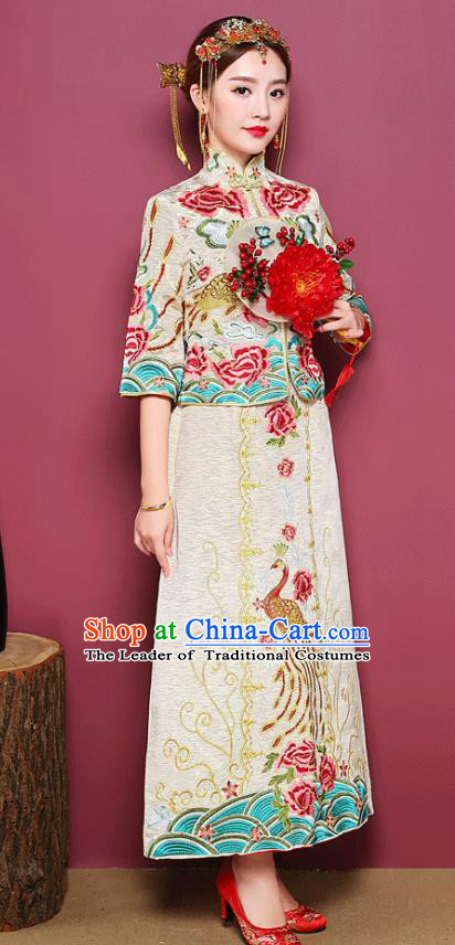 Chinese Ancient Wedding Costume Bride White Toast Clothing, China Traditional Delicate Embroidered Peony Dress Xiuhe Suits for Women
