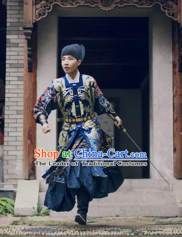 Chinese Ancient Swordsman Costume Traditional Ming Dynasty Imperial Bodyguard Embroidered Costumes for Men