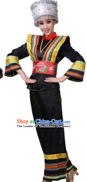 Traditional Chinese Yao Nationality Clothing, China Yao Ethnic Dance Costume and Hat for Women