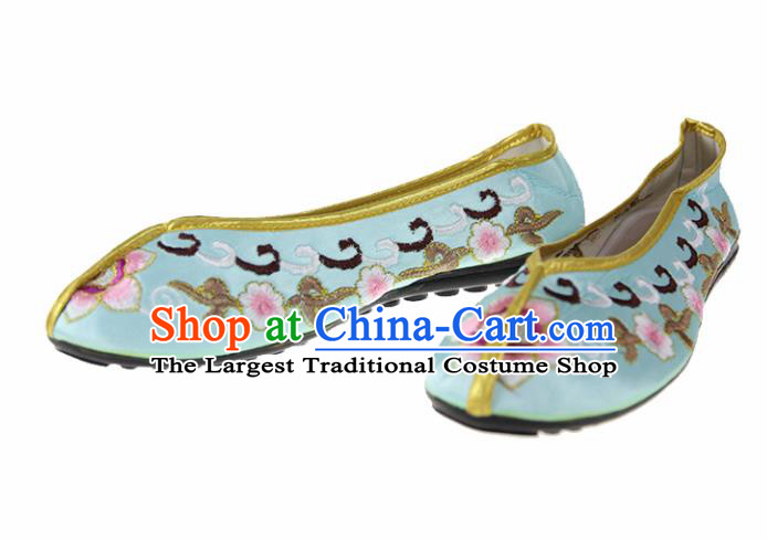 Asian Chinese Traditional Green Blood Stained Shoes Ancient Embroidered Shoes for Women