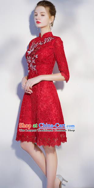 Chinese Traditional Bride Embroidered Slim Cheongsam Ancient Handmade Red Lace Wedding Dress for Women