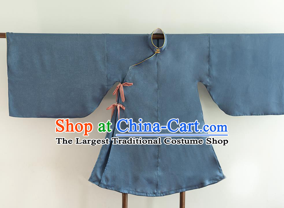 Chinese Ancient Princess Historical Costume Ming Dynasty Navy Silk Blouse for Women