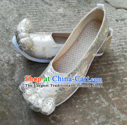 Asian Chinese Traditional Shoes Ancient Song Dynasty Wedding White Shoes Hanfu Shoes for Women