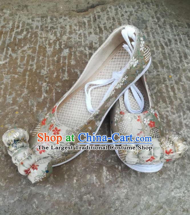 Asian Chinese Traditional Shoes Ancient Song Dynasty Wedding Beige Shoes Hanfu Shoes for Women