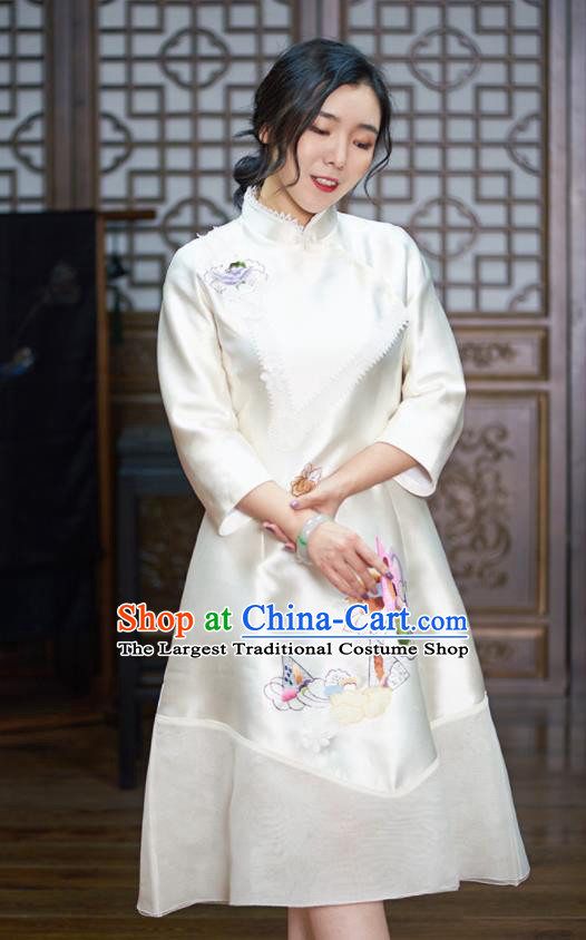 Chinese Traditional National Costume Tang Suit Silk Cheongsam Embroidered White Qipao Dress for Women