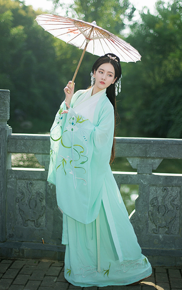 Traditional Chinese Han Dynasty Princess Green Hanfu Dress Ancient Court Lady Embroidered Historical Costume for Women