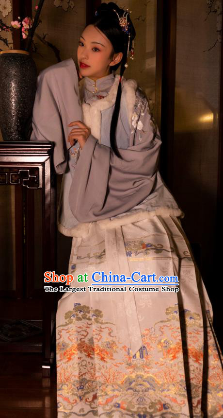 Chinese Drama Ancient Nobility Lady White Horse Face Skirt Traditional Ming Dynasty Court Dress for Women