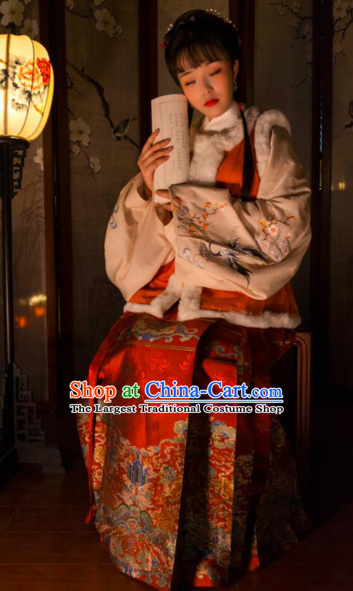 Chinese Drama Ancient Nobility Lady Red Horse Face Skirt Traditional Ming Dynasty Court Dress for Women