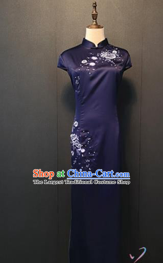 Traditional Embroidered Peony Purple Silk Cheongsam Republic of China Shanghai Women Clothing Annual Meeting Qipao Dress