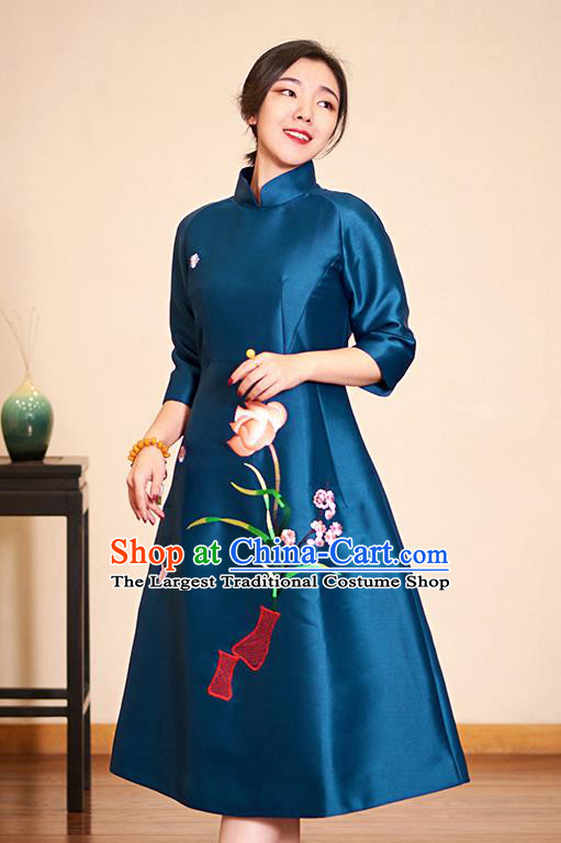 Traditional Chinese Graceful Embroidered Blue Cheongsam Tang Suit Silk Qipao Dress for Women