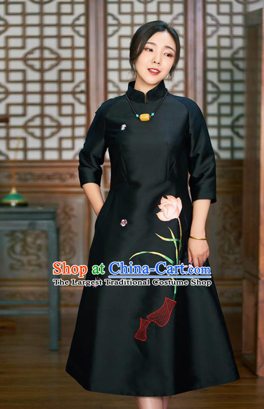 Traditional Chinese Graceful Embroidered Lotus Black Cheongsam Tang Suit Silk Qipao Dress for Women