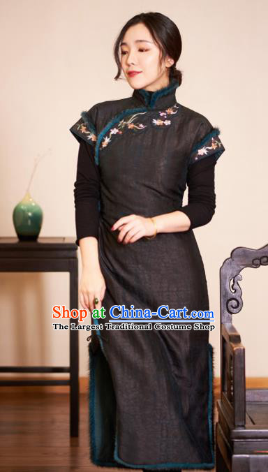 Traditional Chinese Cotton Wadded Cheongsam Embroidered Silk Qipao Dress for Women