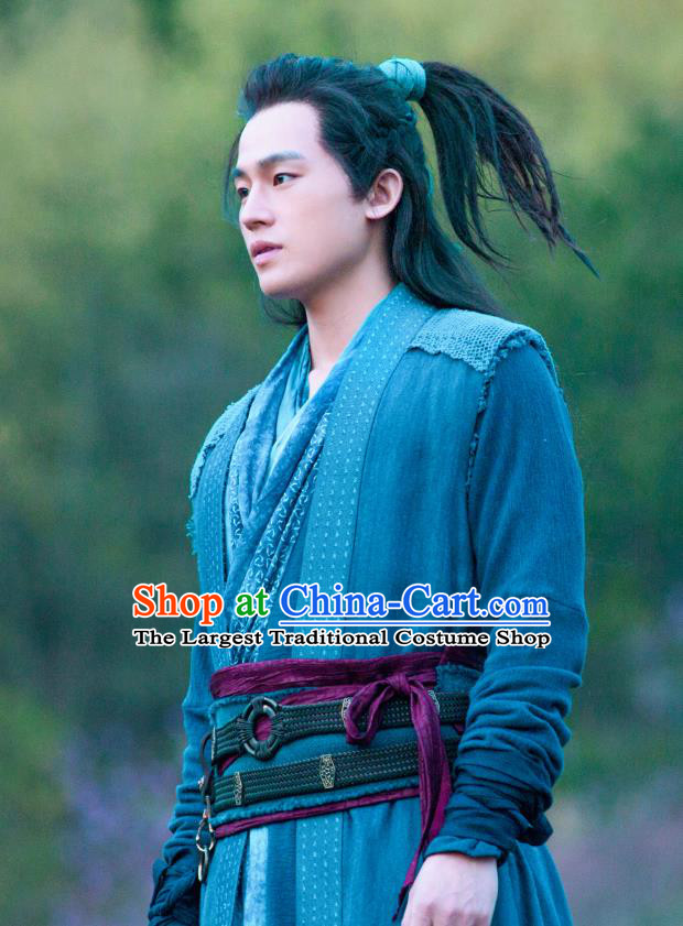 Drama Hero Dream Chinese Ancient Han Dynasty Swordsman Han Xin Costume and Headpiece Complete Set