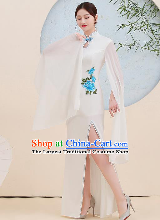 China Embroidery White Cheongsam Woman Stage Performance Dress Clothing Catwalks Fishtail Qipao