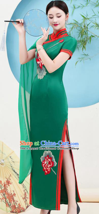 China Miss Etiquette Clothing Catwalks Green Satin Qipao Dress Stage Show Embroidery Lotus Cheongsam